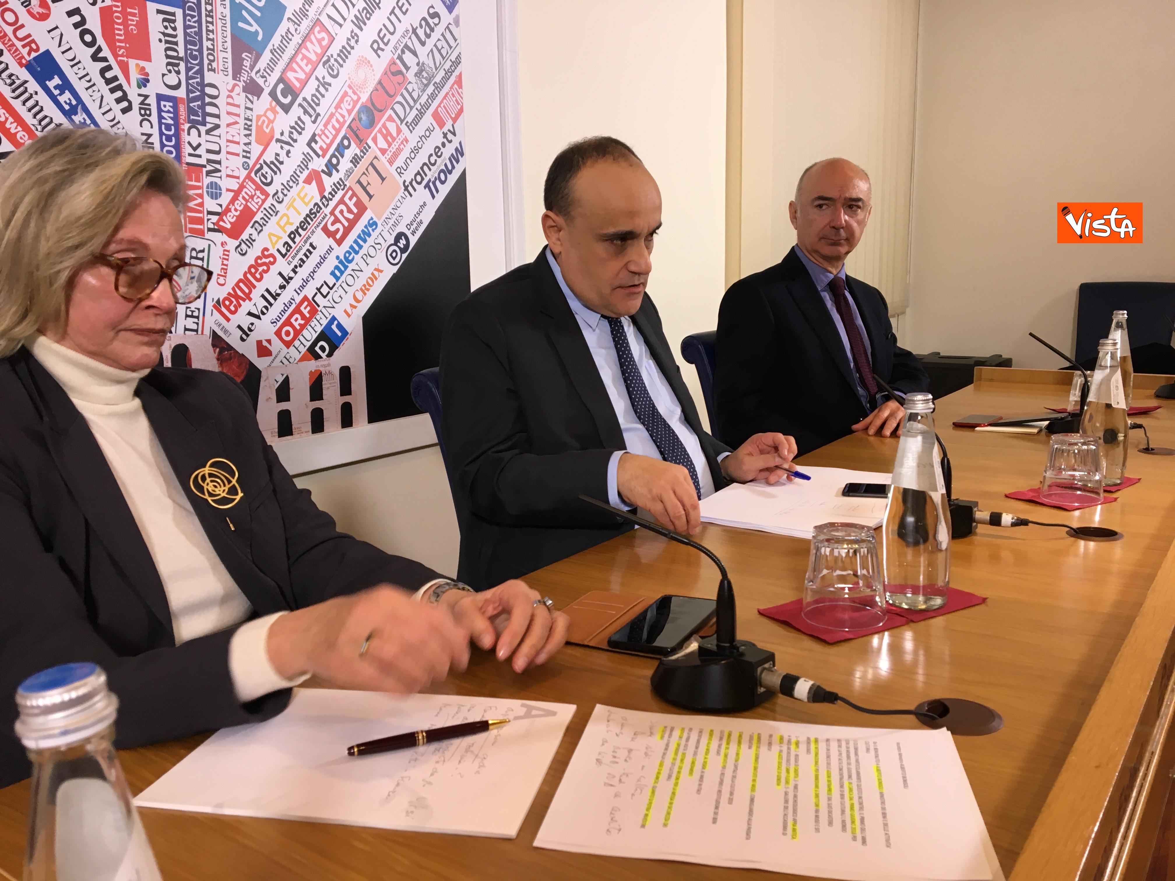 10-01-19 Bonisoli in conferenza stampa alla sede romana della stampa estera immagini_03