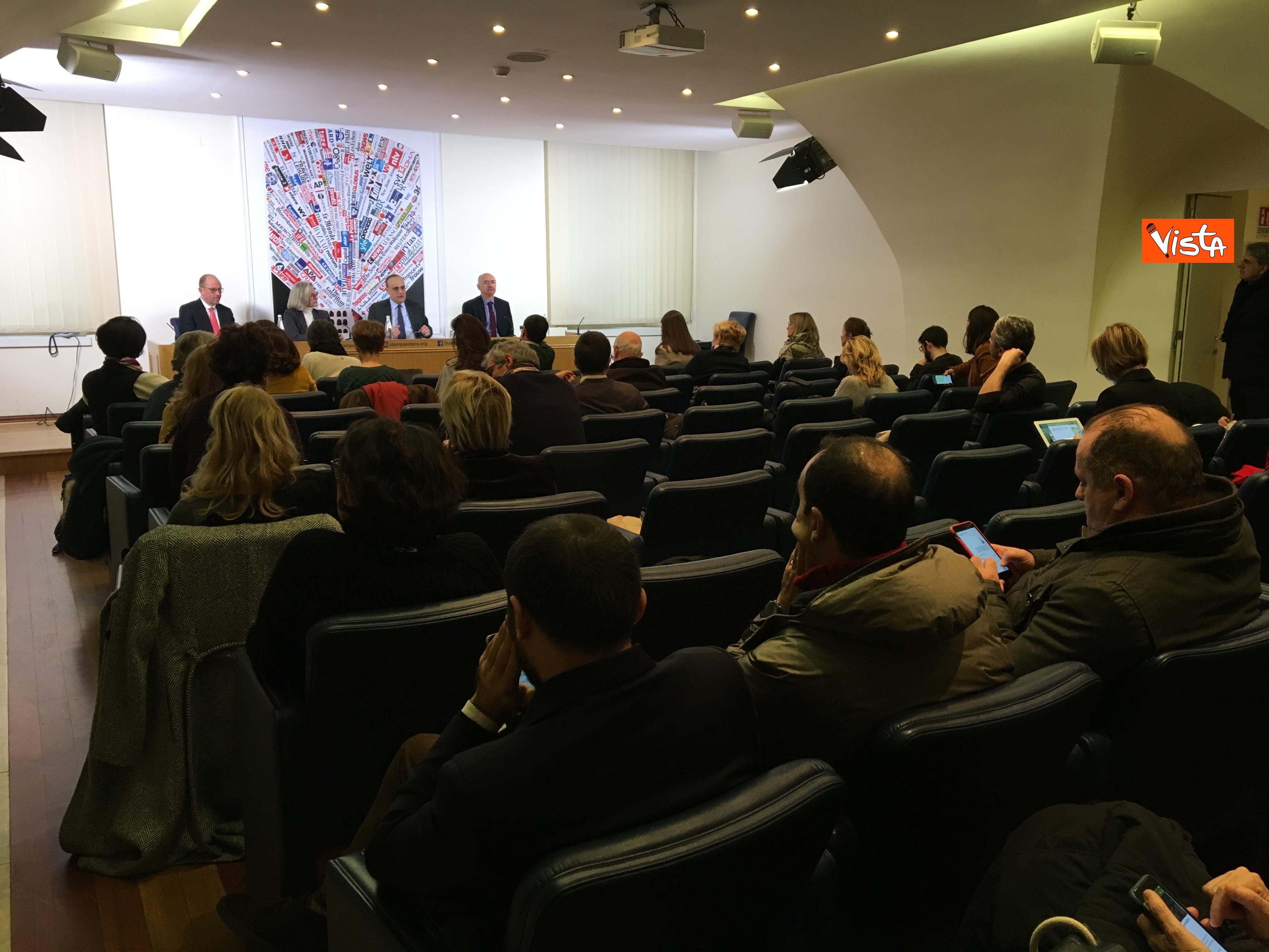 10-01-19 Bonisoli in conferenza stampa alla sede romana della stampa estera immagini_04
