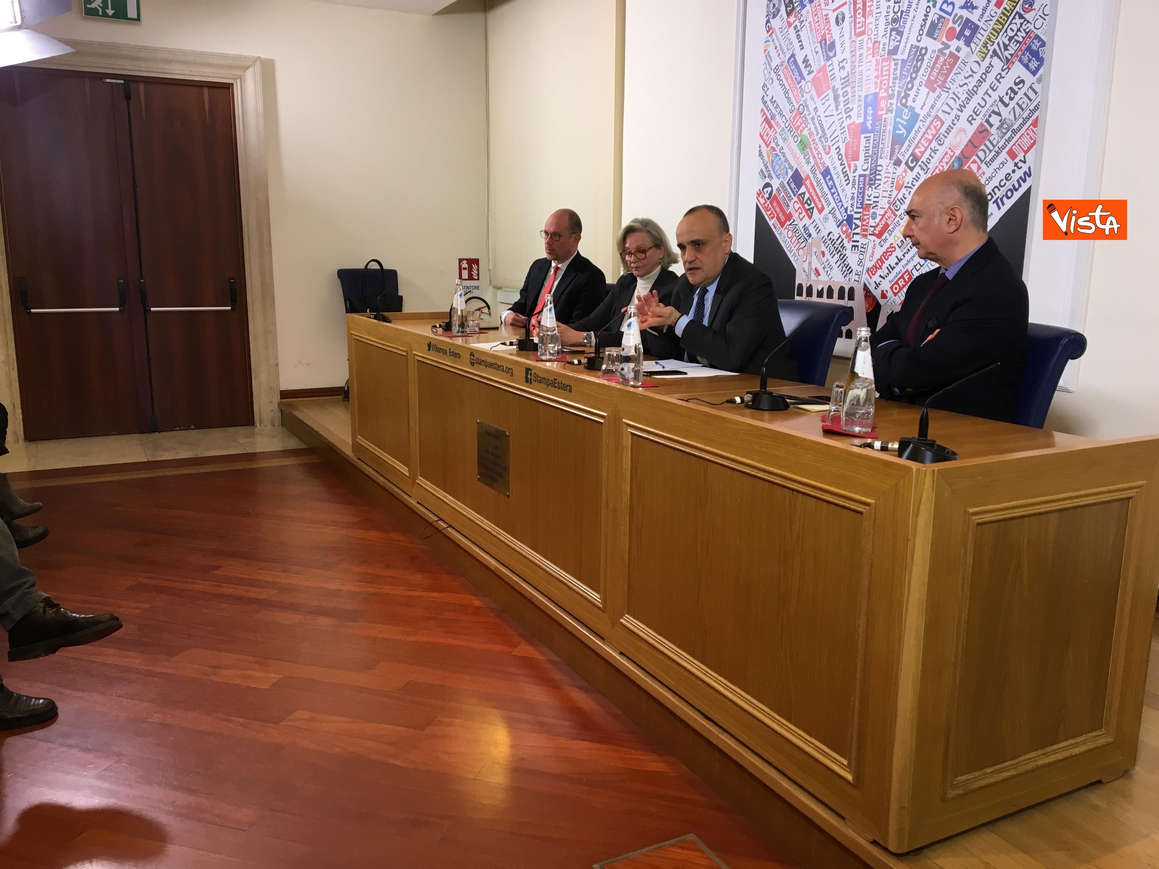 10-01-19 Bonisoli in conferenza stampa alla sede romana della stampa estera immagini_07