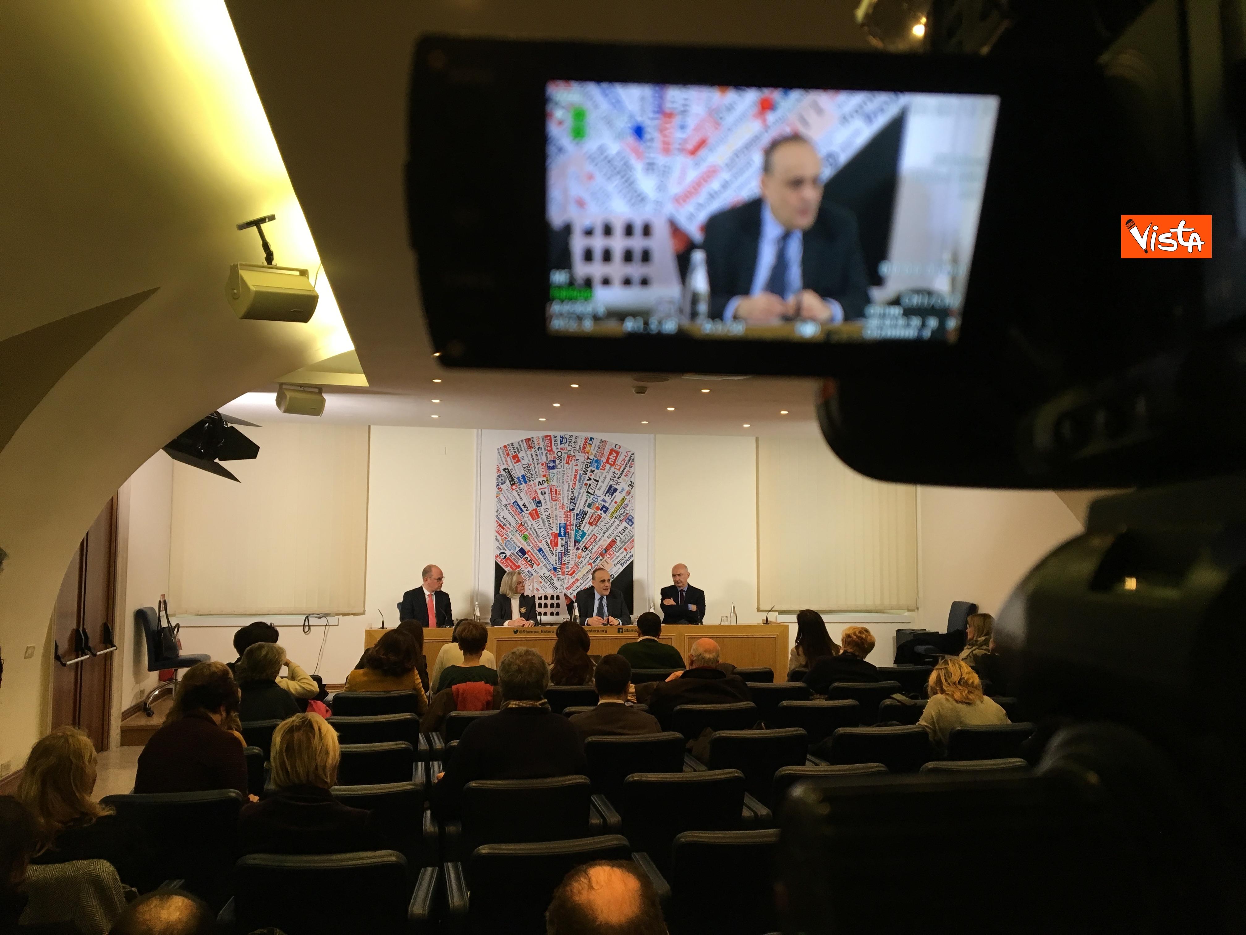 10-01-19 Bonisoli in conferenza stampa alla sede romana della stampa estera immagini_06