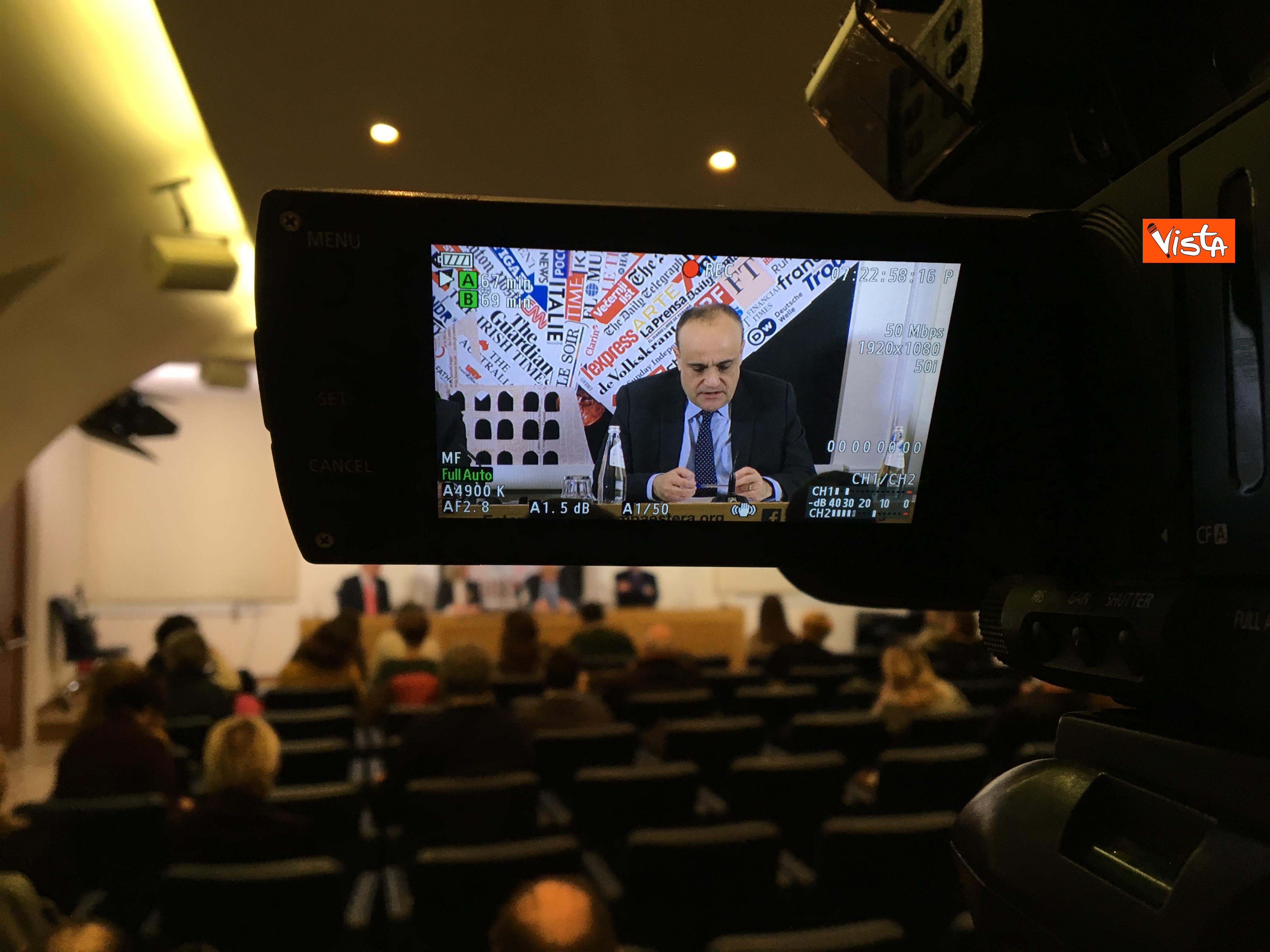 10-01-19 Bonisoli in conferenza stampa alla sede romana della stampa estera immagini_05