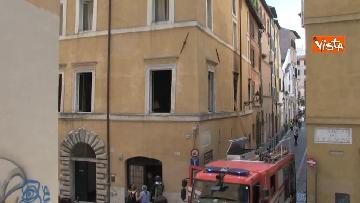 7 - Incendio in un appartamento nel centro di Roma, l'intervento dei Vigili del Fuoco