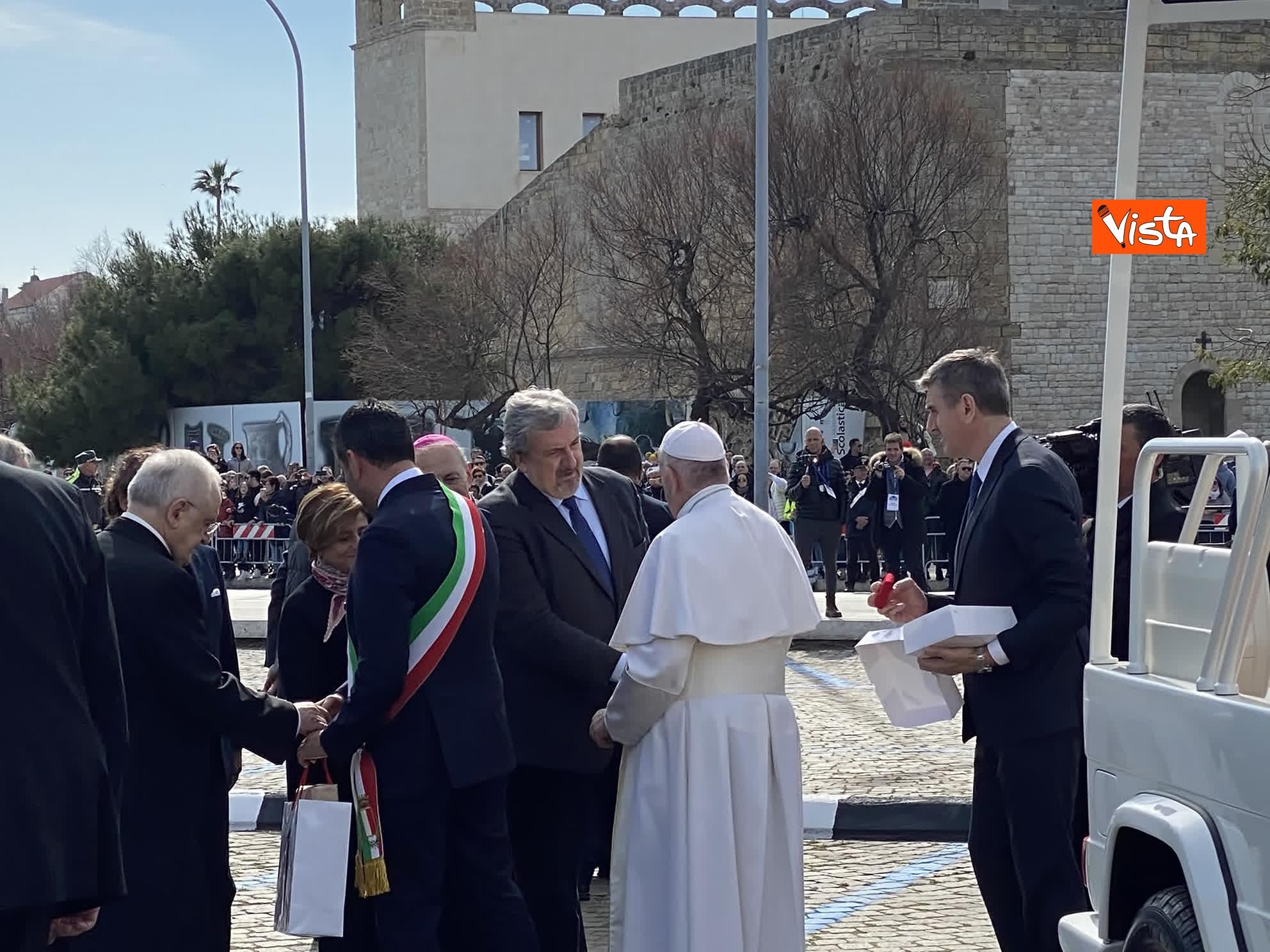 23-02-20 Il Papa a Bari incontra il presidente della Regione Puglia Michele Emiliano_03