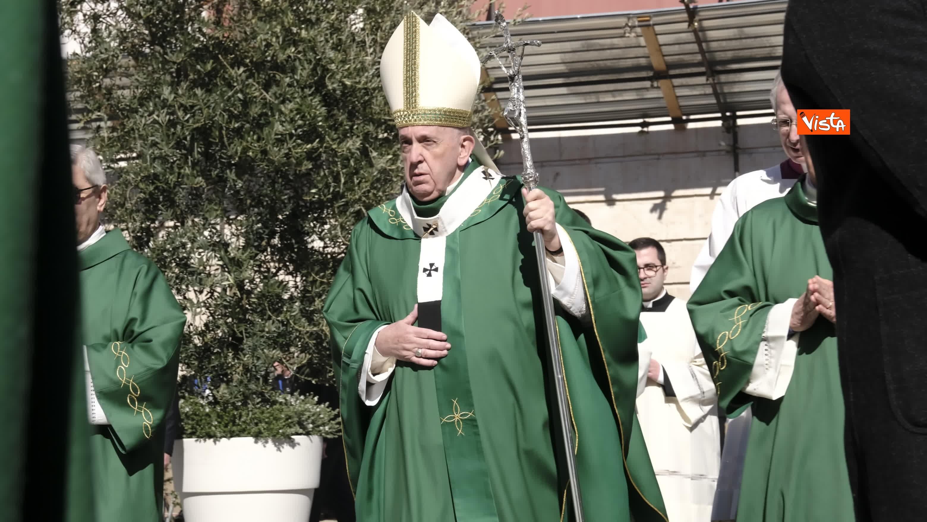 23-02-20 Il Papa a Bari incontra il presidente della Regione Puglia Michele Emiliano_06