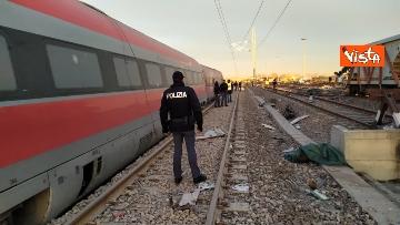 3 - Treno deragliato a Lodi, i primi rilievi della Polizia ferroviaria