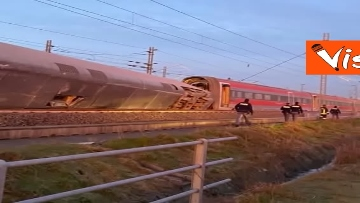5 - Treno deragliato a Lodi, i primi rilievi della Polizia ferroviaria