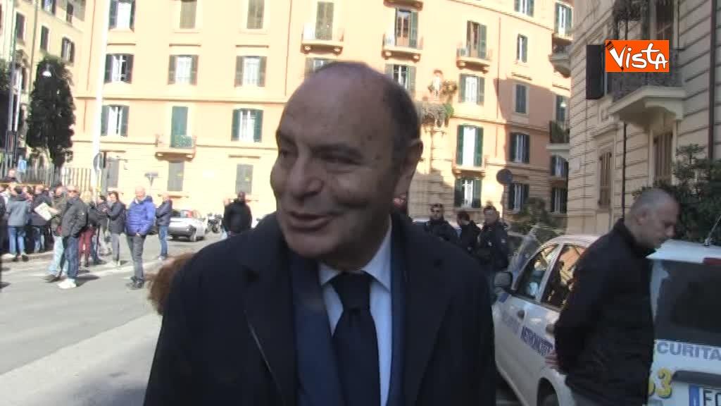 27-03-18 Vespa ricorda Frizzi Aveva un sorriso indimenticabile 00_236908554544439689710
