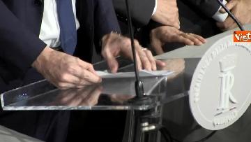 4 - I foglietti di Martina, la cravatta rossa di Orfini, il PD alle consultazioni