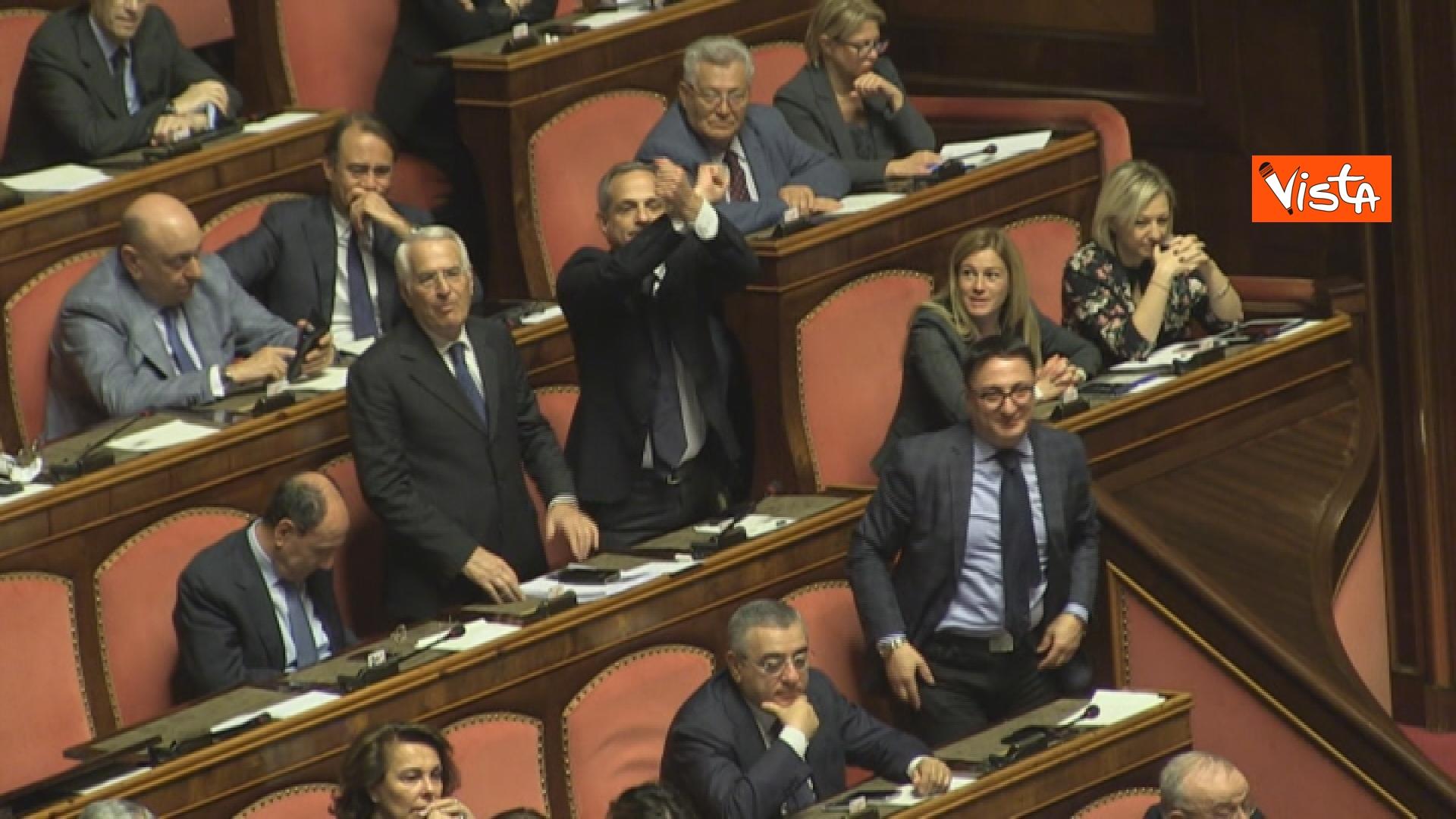 21-03-19 Mozione sfiducia per Toninelli al Senato le immagini dell Aula_il gesto delle manette del senatore di FI 03