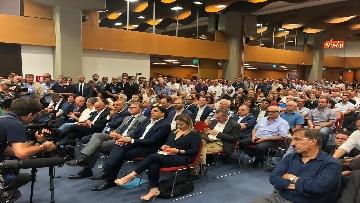 4 - 'E' sempre più blu, Meloni ufficializza entrata a FdI del sindaco di Catania