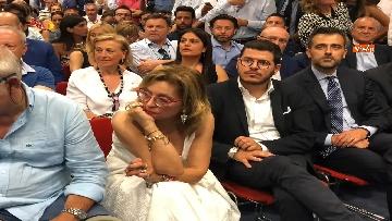 11 - 'E' sempre più blu, Meloni ufficializza entrata a FdI del sindaco di Catania