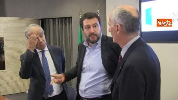 5 - Salvini presenta l'iniziativa Scuole sicure immagini