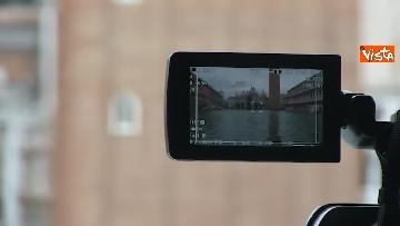 4 - San Marco e il centro di Venezia sommersi dall'acqua, un'atmosfera surreale