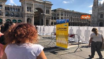 4 - Morti sul lavoro, 1029 sagome bianche in piazza Duomo, l'iniziativa di Ugl