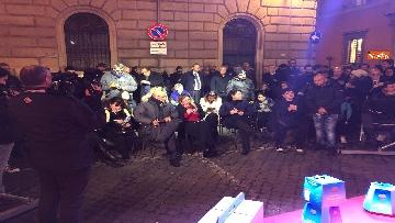 13 - La festa di natale di Fratelli d'Italia, tra prodotti locali e tombolata sovranista