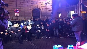 9 - La festa di natale di Fratelli d'Italia, tra prodotti locali e tombolata sovranista