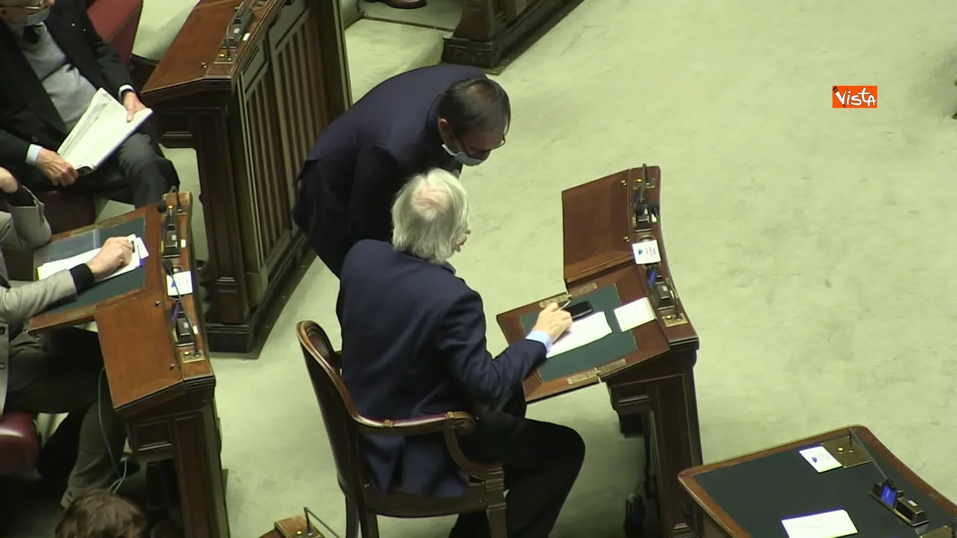 02-12-20 Il ministro Speranza riferisce alla Camera su piano vaccini e nuovo Dpcm, le foto_07