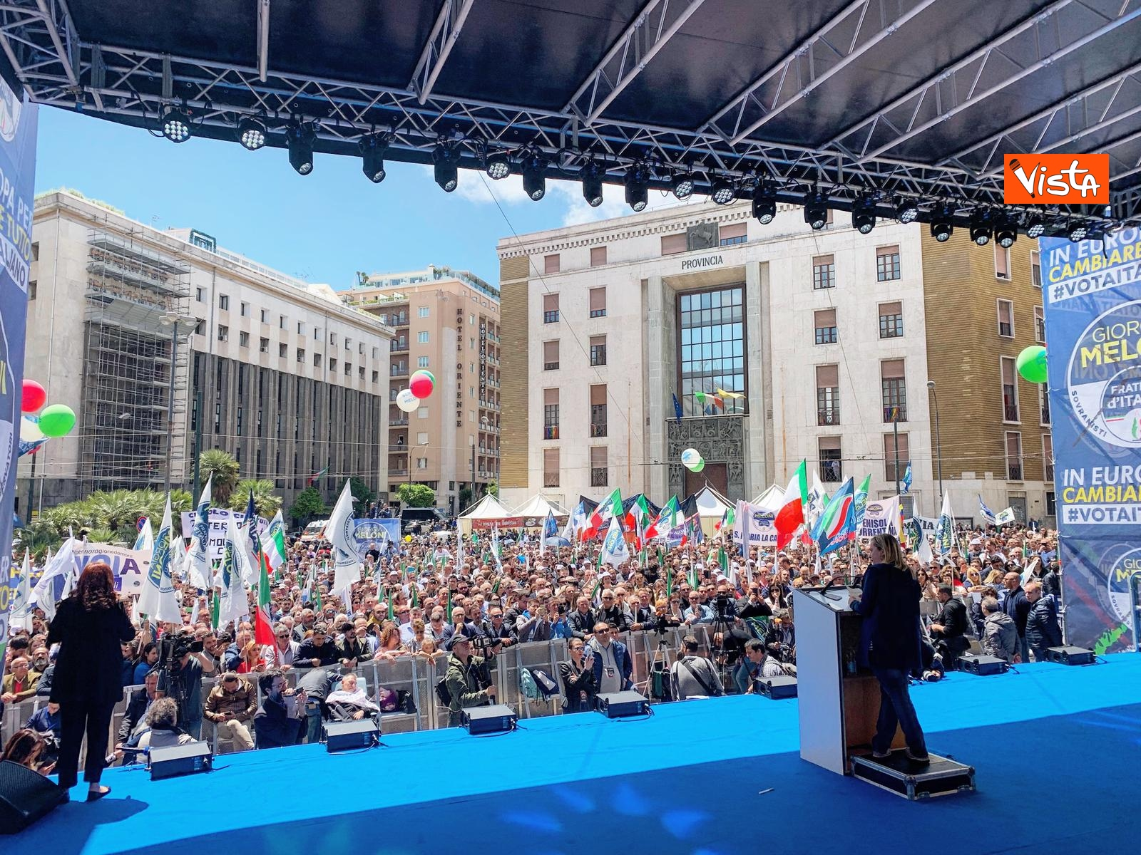 19-05-19 Europee Meloni chiude campagna elettorale a Napoli il comizio in piazza Matteotti_07