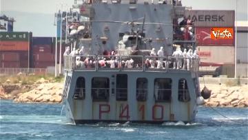 10 - Aquarius, Dattilo e Orione sono attraccate al porto di Valencia, finita l'Odissea per 629 migranti