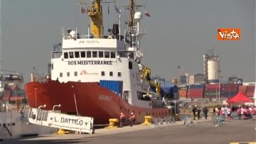 4 - Aquarius, Dattilo e Orione sono attraccate al porto di Valencia, finita l'Odissea per 629 migranti
