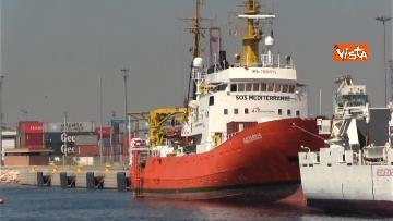 6 - Aquarius, Dattilo e Orione sono attraccate al porto di Valencia, finita l'Odissea per 629 migranti