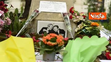 6 - Strage Capaci, Milano ricorda Giovanni Falcone con musica e mazzi di fiori