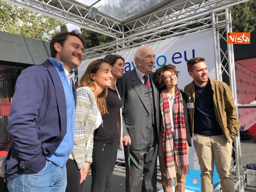 27-10-18 StavoltaVoto la campagna per sensibilizzare alvoto per le elezioni europee la presentazione - Al centro il regista Giuliano Montaldo