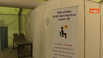 9 - Vaccinazioni in Lombardia, Guerini e Fontana all'inaugurazione del nuovo hub di Varese. Le immagini