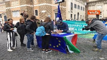 10 - +Europa, Bonino e Della Vedova a raccolta firme proposta legge