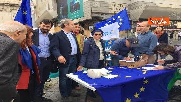 8 - +Europa, Bonino e Della Vedova a raccolta firme proposta legge