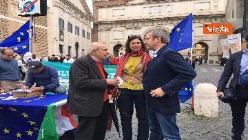 7 - +Europa, Bonino e Della Vedova a raccolta firme proposta legge