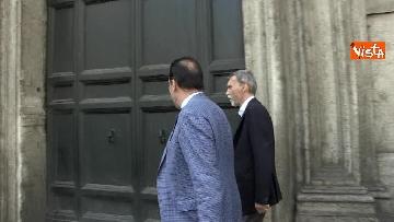 2 - I capigruppo del Pd Graziano Delrio e Andrea Marcucci vanno a piedi dalla sede del Nazareno verso la Camera per le consultazioni