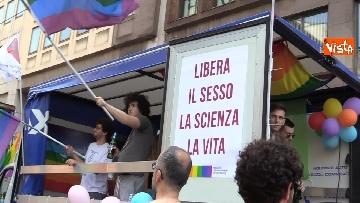 4 - La sfilata del Gay Pride a Milano