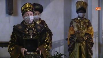 1 - Corteo dei magi a Milano, nella basilica di sant'Eustorgio la celebrazione in forma ridotta