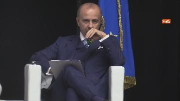 4 - Stato dell'Unione, Amendola e capo rappresentanza commissione UE in Italia Parenti seguono discorso von der Leyen, le foto