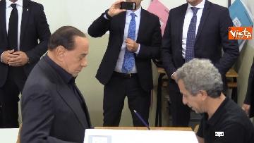 3 - Europee, il voto del presidente di Forza Italia Silvio Berlusconi
