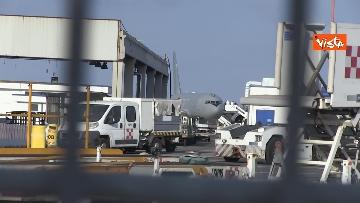 4 - Atterra a Fiumicino l'aereo con a bordo il Console Claudi e l'Ambasciatore Pontecorvo