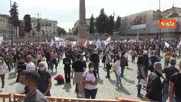 1 - A Piazza del Popolo si balla per far approvare il Ddl Zan