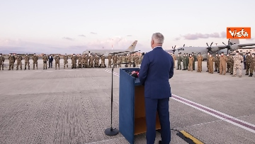 11 - Fine missione italiana in Afghanistan, ecco gli ultimi militari che atterrano a Ciampino