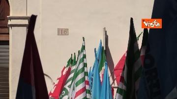 3 - Cgil, Cisl e Uil in piazza contro i licenziamenti. Le foto della manifestazione a Montecitorio