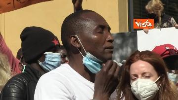 """7 - Le foto dei volti dei lavoratori """"invisibili"""" alla protesta dei braccianti di Montecitorio"""