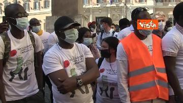 """6 - Le foto dei volti dei lavoratori """"invisibili"""" alla protesta dei braccianti di Montecitorio"""