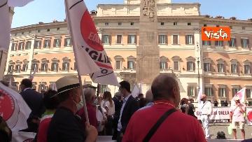 2 - Protesta a Montecitorio per l'equità territoriale Nord-Sud. Le foto