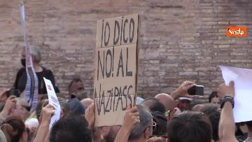 1 - No al Green pass, la protesta a Piazza del Popolo a Roma. Le foto