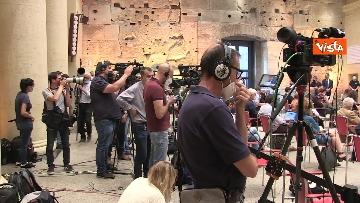 1 - Le immagini della conferenza stampa di Giuseppe Conte al Tempio di Adriano