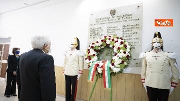 2 - Il Presidente Sergio Mattarella alla caserma Pietro Lungaro in occasione della cerimonia di svelamento della teca contenente i resti della Quarto Savona 15