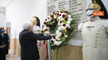 1 - Il Presidente Sergio Mattarella alla caserma Pietro Lungaro in occasione della cerimonia di svelamento della teca contenente i resti della Quarto Savona 15