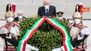 5 - 2 Giugno, Mattarella depone corona all'Altare della Patria. Le immagini