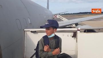 7 - Afghanistan, atterrato all'aeroporto di Fiumicino volo con 211 persone evacuate da Kabul