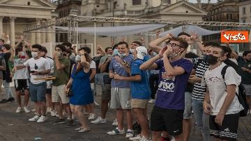 2 - Italia - Turchia, le immagini dei tifosi a Piazza del Popolo